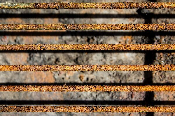 how do I clean a rusty grill