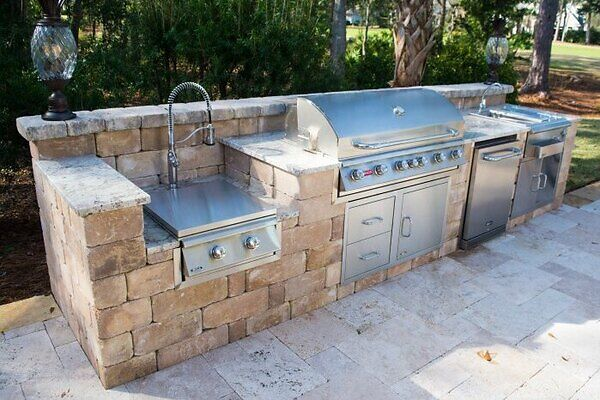 Select the right outdoor grill for long lasting hardware